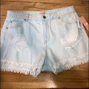 Gianni  Bini distressed cropped Juniors shorts 13